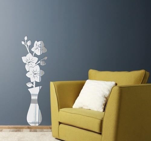Ozdobné zrcadla do obývacího pokoje v motivu vázy s květinami