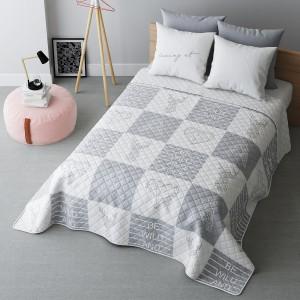 Oboustranný přehoz na postel se čtverci