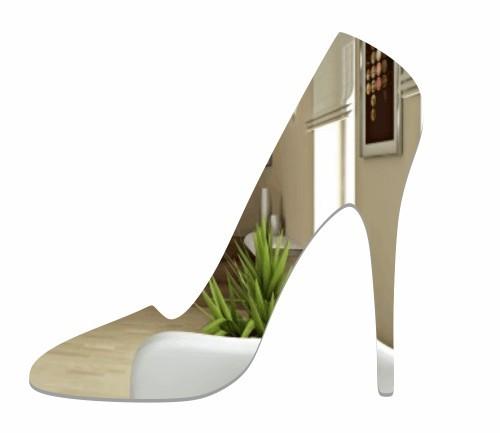 Dekorační zrcadlo ve tvaru boty