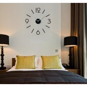Černé dekorační hodiny do obýváku