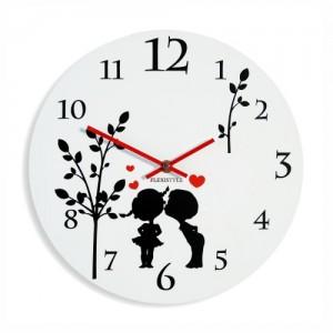 Dětské nástěnné hodiny bílé barvy