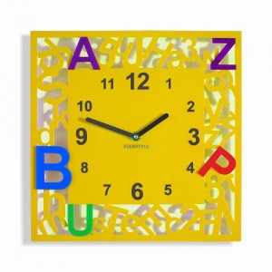 Čtvercové dětské hodiny s písmenky