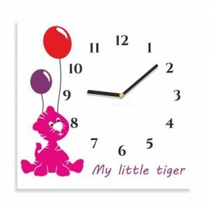 Čtvercové hodiny na zeď s tygříkem