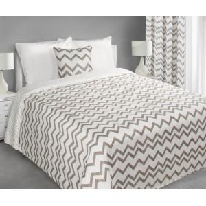 Bílý přehoz na postel s cik cak vzorem