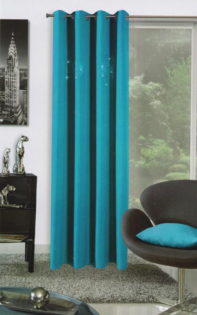 Dekorační tyrkysový závěs do obývacího pokoje