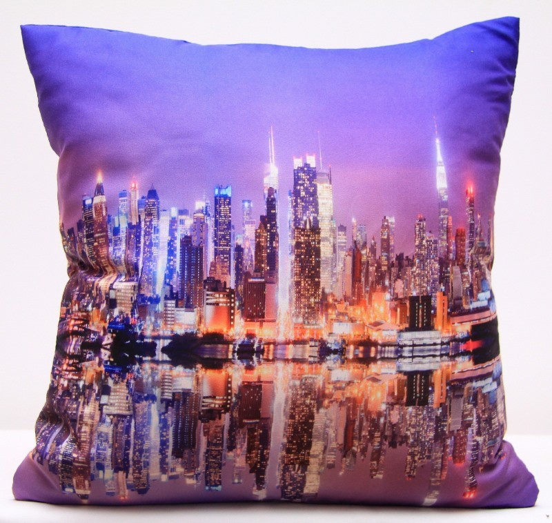 Fialové povlaky na polštář s potiskem večerního města