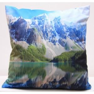 Modrý povlak na polštáře s potiskem hor